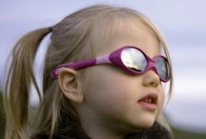 julbo enfants 300x202 Lunettes de soleil JULBO, un maximum de protection pour nos enfants!